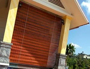 Mành trúc che nắng cửa chính