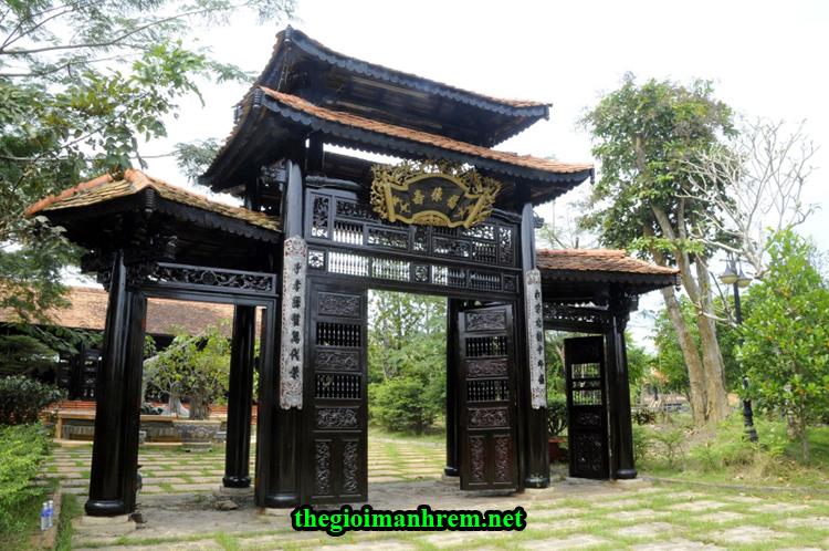Cổng Làng cổ Phương Nam - Đà Nẵng