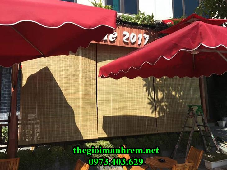 Rèm cửa cản nắng tre trúc quán cafe
