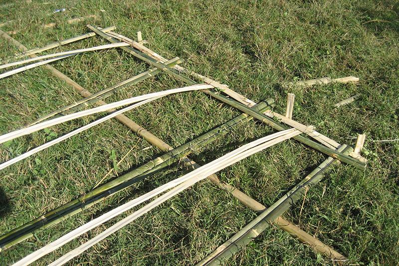 Nhà đan bằng tre