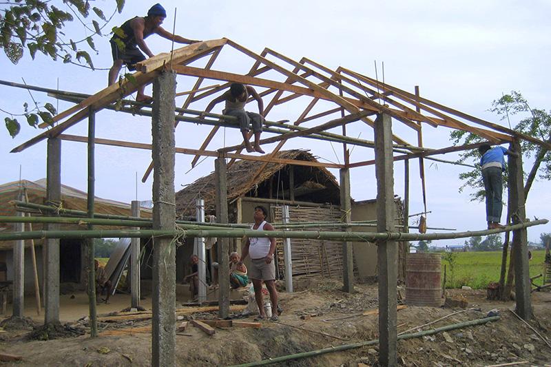 Xây dựng nhà bằng tre ở nepal